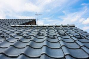 瓦屋根はどんなメリットがある?特徴や注意点について
