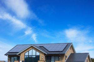 ソーラーパネルを取り付ける際のメリットやデメリットは?